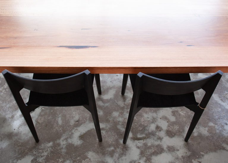 steel legs table