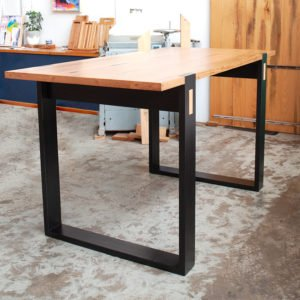 strathewen bar table