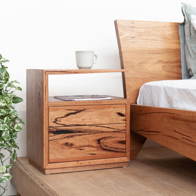 De Vine Side Table
